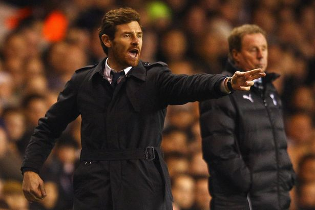 Manager+of+Chelsea+Andre+Villas-Boas+gives+instructions+with+Tottenham+manager+Harry+Redknapp+during+the+Barclays+Premier+League+match+between+Tottenham+Hotspur+and+Chelsea